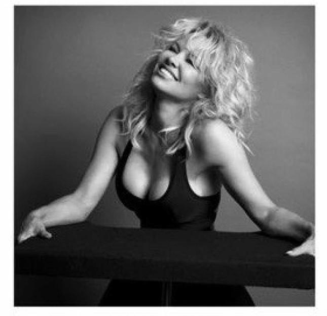 Sắc vóc rực lửa của biểu tượng gợi cảm một thời Pamela Anderson ảnh 6
