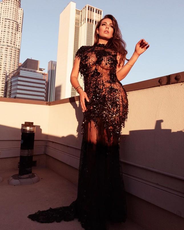 Mỹ nhân ngoại cỡ Nadine Mirada tự tin với đường cong tròn đầy đẹp tự nhiên ảnh 7