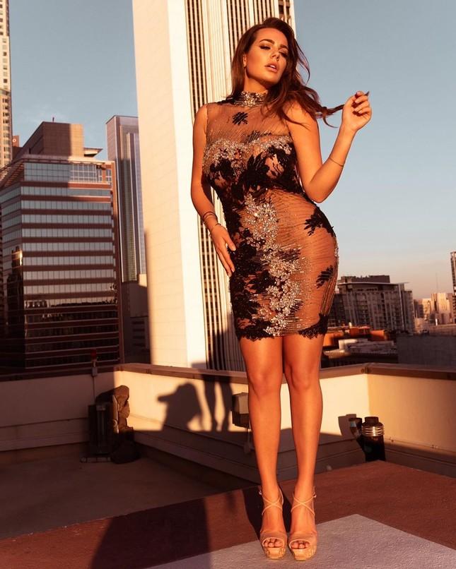 Mỹ nhân ngoại cỡ Nadine Mirada tự tin với đường cong tròn đầy đẹp tự nhiên ảnh 8