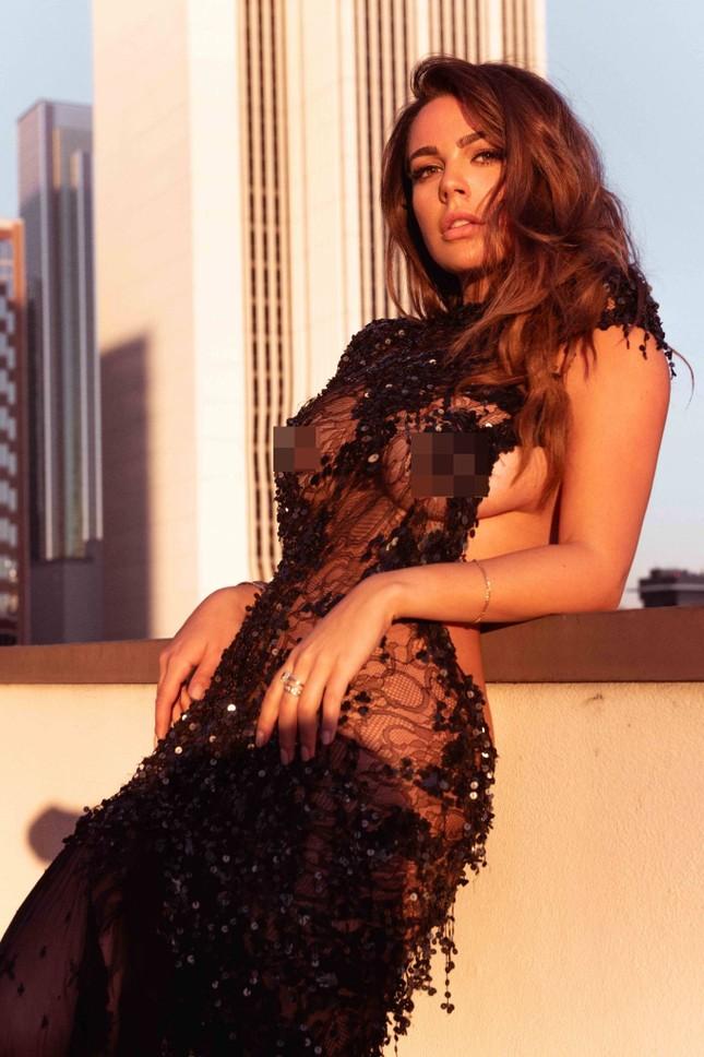 Mỹ nhân ngoại cỡ Nadine Mirada tự tin với đường cong tròn đầy đẹp tự nhiên ảnh 4