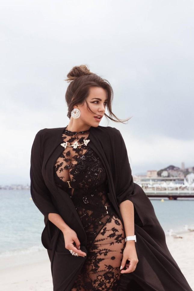 Mỹ nhân ngoại cỡ Nadine Mirada tự tin với đường cong tròn đầy đẹp tự nhiên ảnh 11