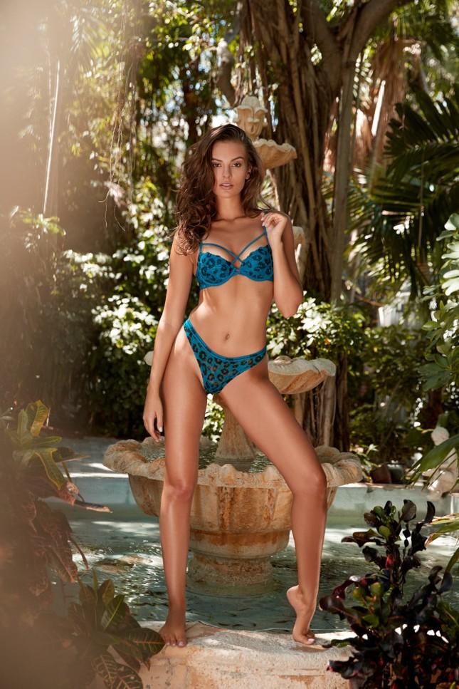 Mê mẩn sắc vóc đẹp tuyệt mỹ của nàng mẫu Nga Nastia Sobol ảnh 4