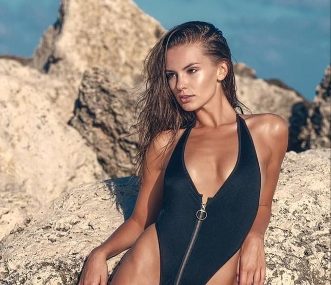Mê mẩn sắc vóc đẹp tuyệt mỹ của nàng mẫu Nga Nastia Sobol ảnh 6