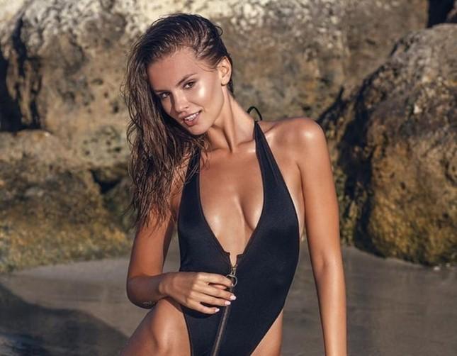 Mê mẩn sắc vóc đẹp tuyệt mỹ của nàng mẫu Nga Nastia Sobol ảnh 7