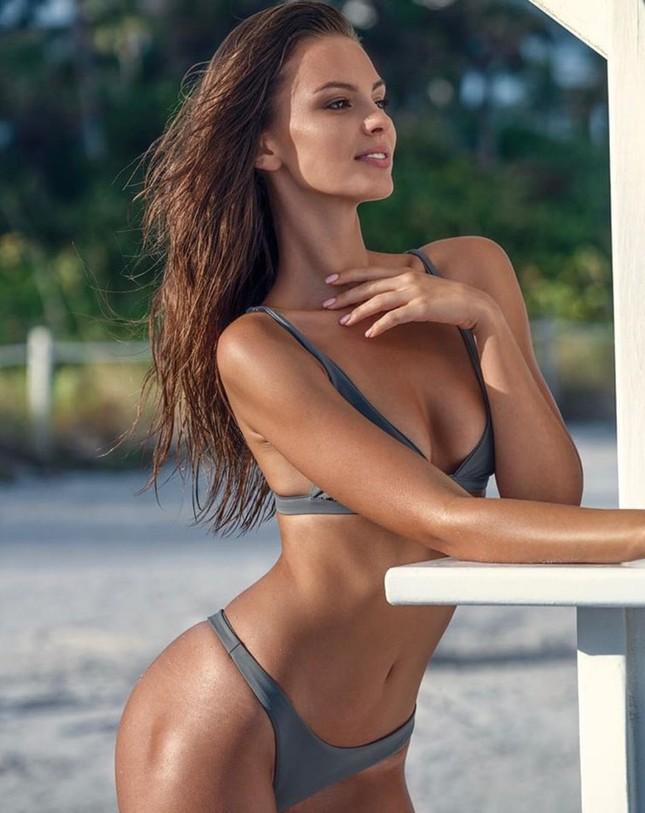Mê mẩn sắc vóc đẹp tuyệt mỹ của nàng mẫu Nga Nastia Sobol ảnh 5
