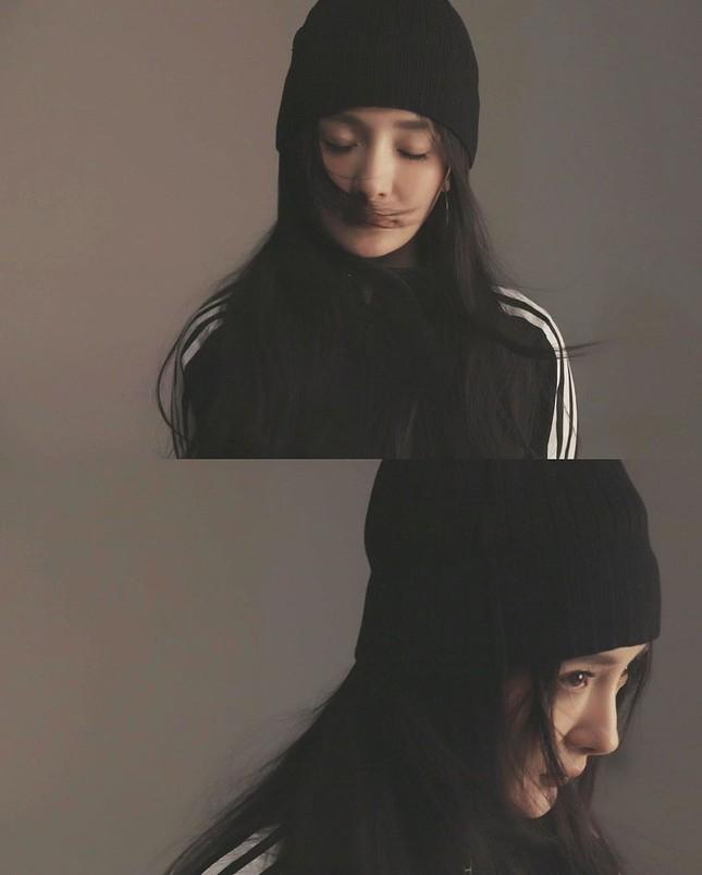 Dương Mịch thả dáng 'gái một con' hút mắt với đôi chân dài trứ danh ảnh 10