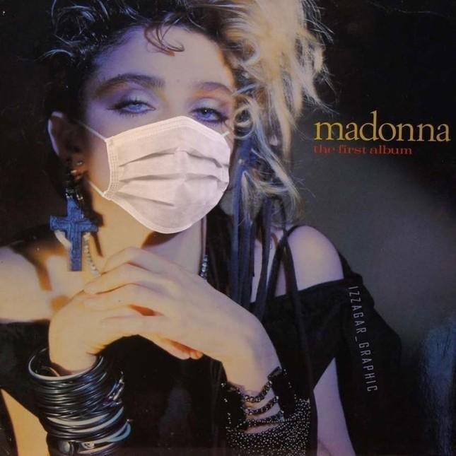 Nữ hoàng nhạc pop Madonna 61 tuổi đắm đuối bên trai trẻ 9x ảnh 7