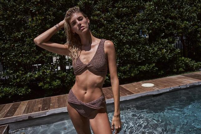 Người mẫu cao 1m80 Devon Windsor diện áo tắm tôn dáng 'vạn người mê' ảnh 4