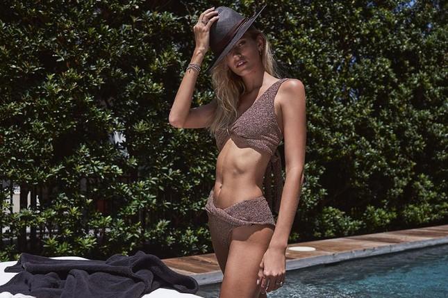 Người mẫu cao 1m80 Devon Windsor diện áo tắm tôn dáng 'vạn người mê' ảnh 5