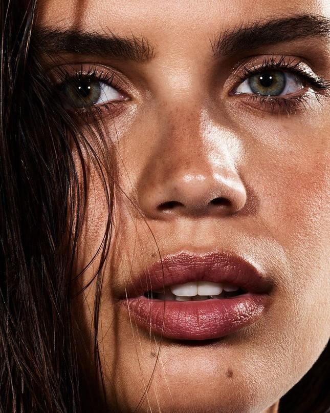 Sắc vóc đậm chất Latin nóng bỏng của mỹ nhân Sara Sampaio ảnh 7