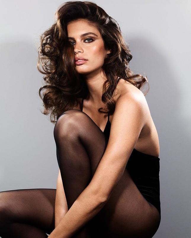 Sắc vóc đậm chất Latin nóng bỏng của mỹ nhân Sara Sampaio ảnh 5