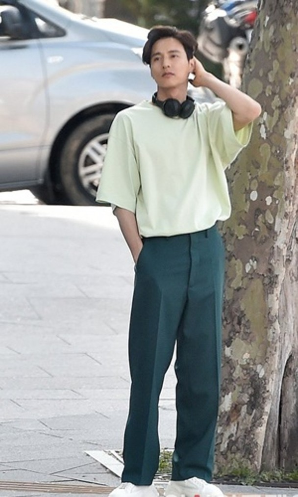 Won Bin bất ngờ lộ diện sau nhiều năm ở ẩn, ngoại hình tuổi 42 đốn tim fan ảnh 1