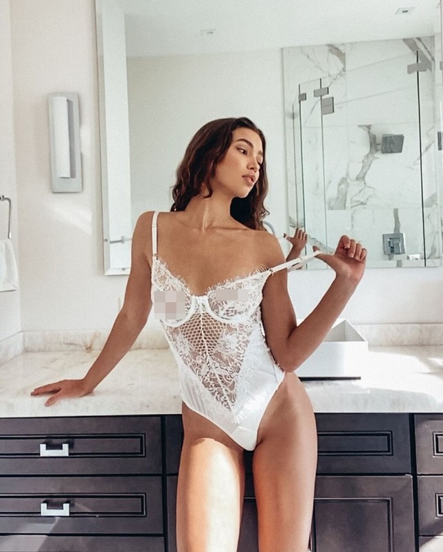 Kaylin Baer dáng đẹp nuột nà đến từng centimet ảnh 5