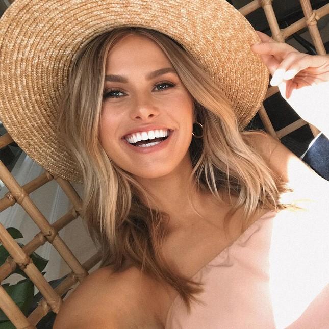 Nụ cười tỏa nắng, ba vòng nảy nở của Natalie Roser 'đốn tim' phái mạnh ảnh 7