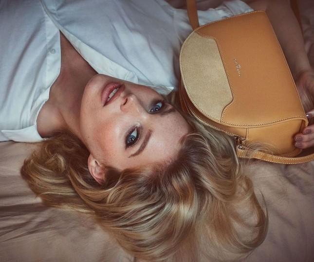 Elsa Hosk xinh đẹp quyến rũ với nhan sắc búp bê ảnh 5