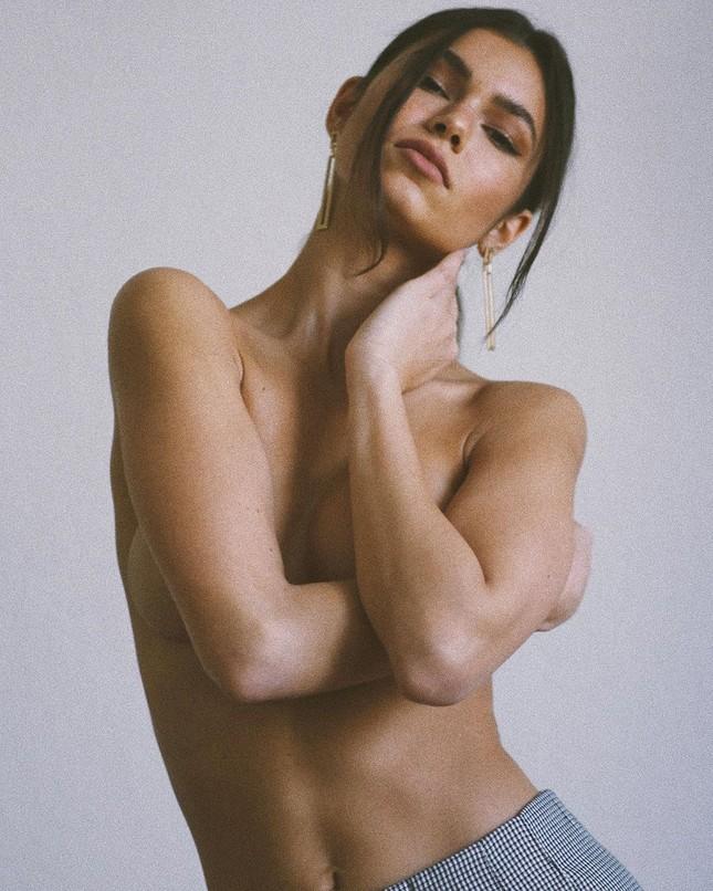 Mỹ nhân thông thạo 4 thứ tiếng Sohni Ahmed táo bạo bán nude ảnh 4