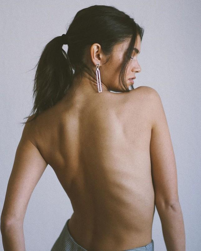 Mỹ nhân thông thạo 4 thứ tiếng Sohni Ahmed táo bạo bán nude ảnh 5