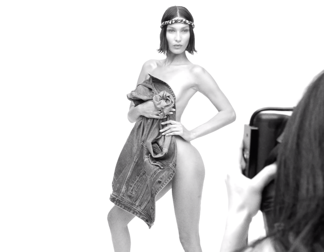 Bella Hadid tung ảnh bikini tắm nắng thu hút triệu lượt 'thả tim' ảnh 6