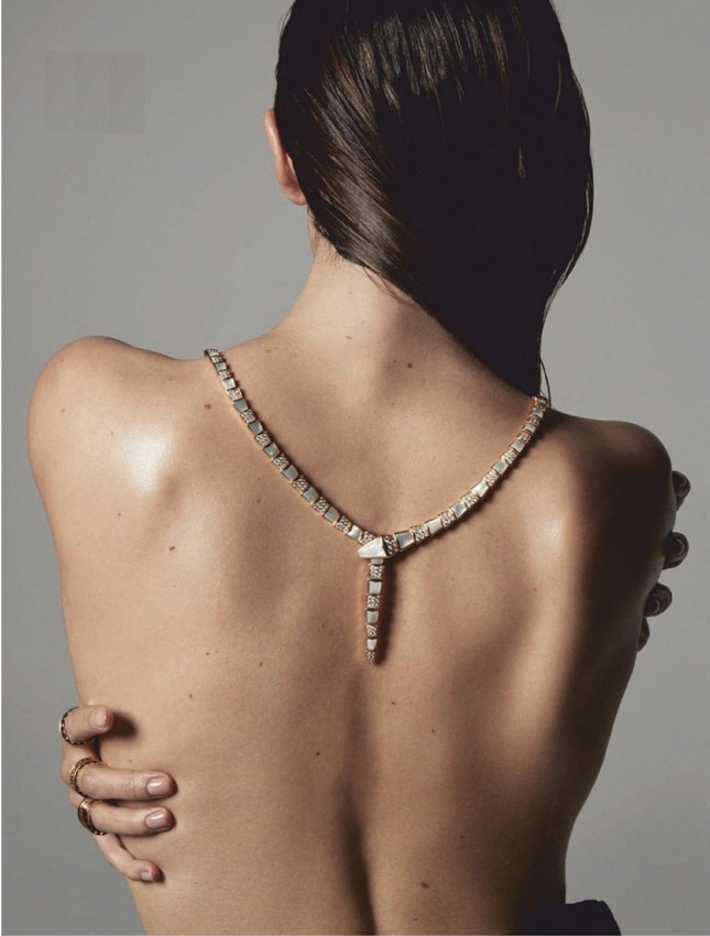 'Chân dài' Lily Aldridge bán nude tôn lưng trần nuột nà ảnh 9