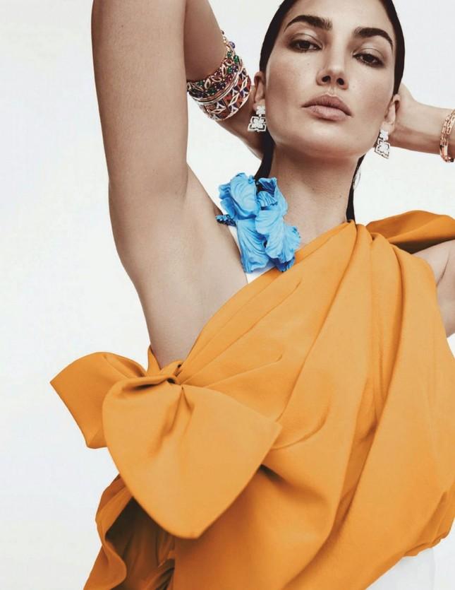 'Chân dài' Lily Aldridge bán nude tôn lưng trần nuột nà ảnh 11