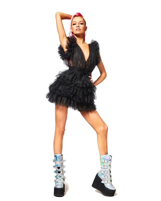 Thiên thần nội y Stella Maxwell body 'cực phẩm' như búp bê Barbie sống ảnh 16