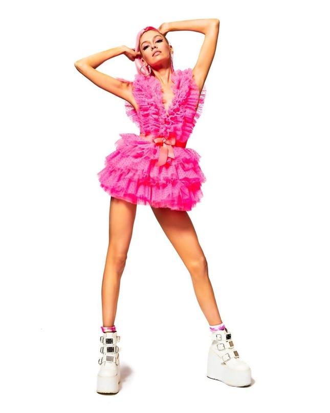 Thiên thần nội y Stella Maxwell body 'cực phẩm' như búp bê Barbie sống ảnh 3