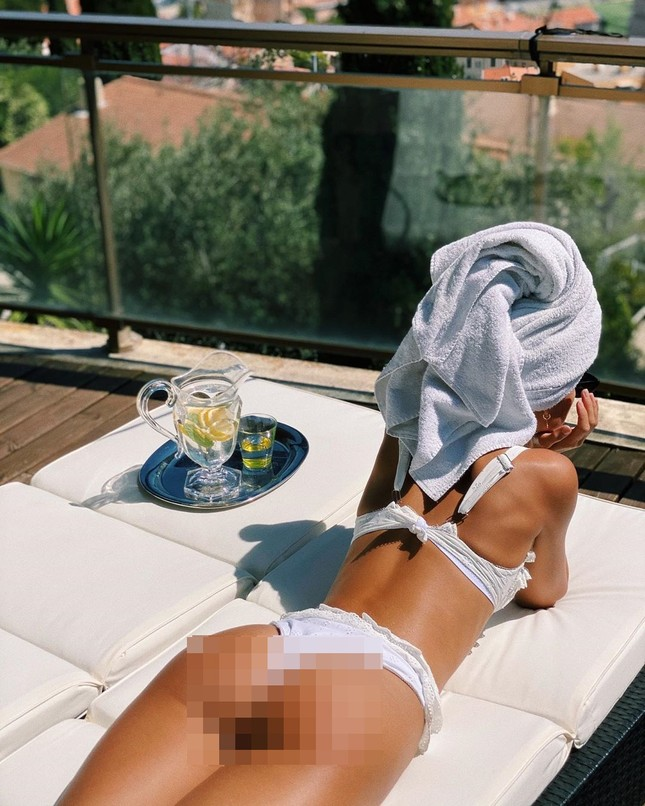 Người mẫu Frida Assen táo bạo 'thả rông vòng 1', khoe dáng nuột nà ảnh 7