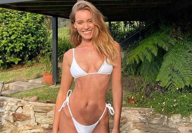 Nàng mẫu Úc Georgia Gibbs thả dáng tuyệt mỹ với bikini ảnh 1