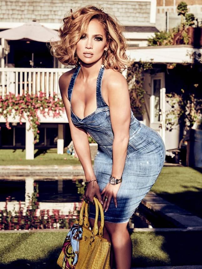 Ba vòng nóng bỏng, Jennifer Lopez rạng ngời xuân sắc ở tuổi 50 ảnh 3