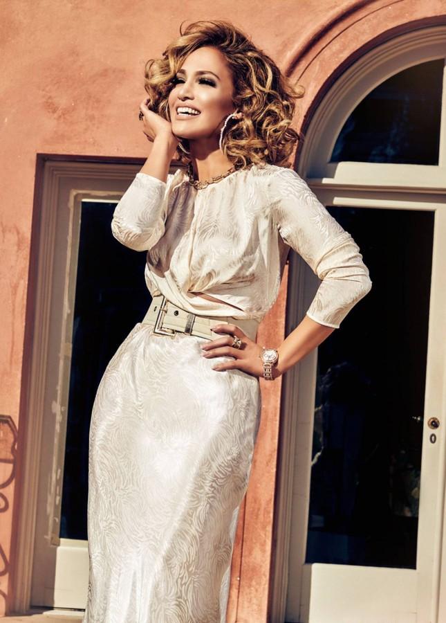 Ba vòng nóng bỏng, Jennifer Lopez rạng ngời xuân sắc ở tuổi 50 ảnh 9