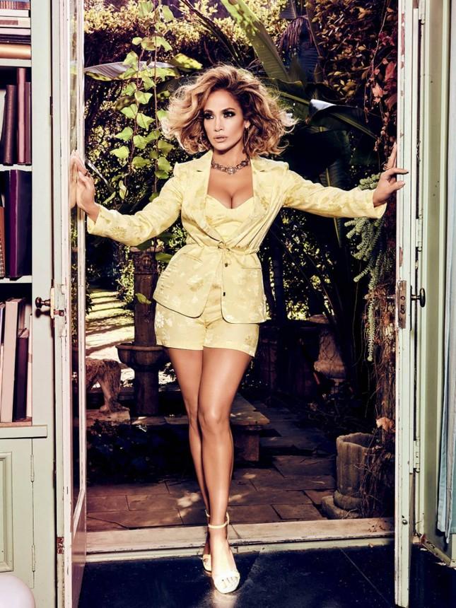 Ba vòng nóng bỏng, Jennifer Lopez rạng ngời xuân sắc ở tuổi 50 ảnh 11