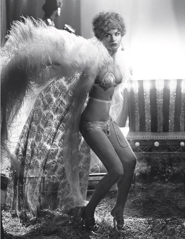 Cựu thiên thần nội y Helena Christensen dáng đẹp 'nảy lửa' ảnh 23