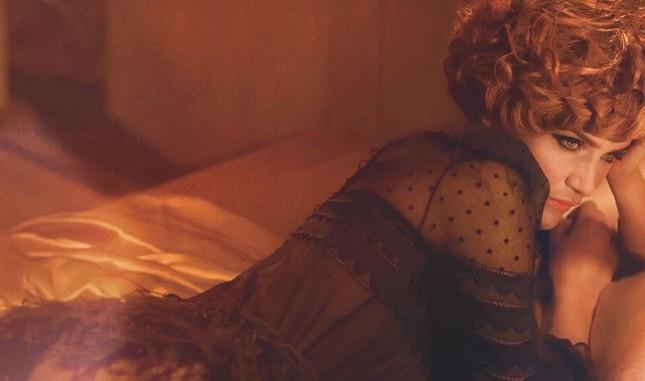 Cựu thiên thần nội y Helena Christensen dáng đẹp 'nảy lửa' ảnh 19