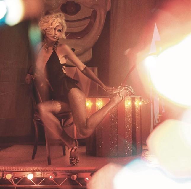 Cựu thiên thần nội y Helena Christensen dáng đẹp 'nảy lửa' ảnh 22