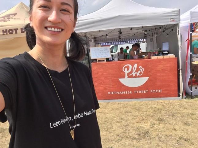 Cô gái gốc Việt lọt top Forbes Slovakia nhờ món phở quê hương ảnh 3