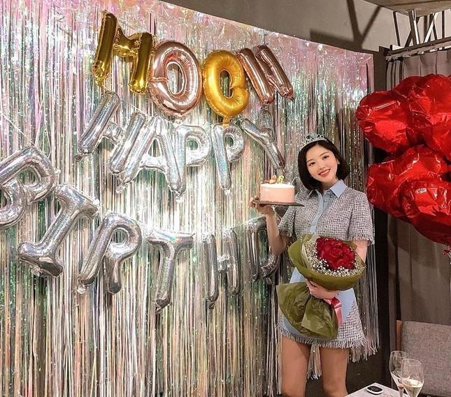 Được gọi là 'thực thần', cô gái ham ăn xứ Hàn vẫn rất xinh đẹp và thon thả ảnh 8