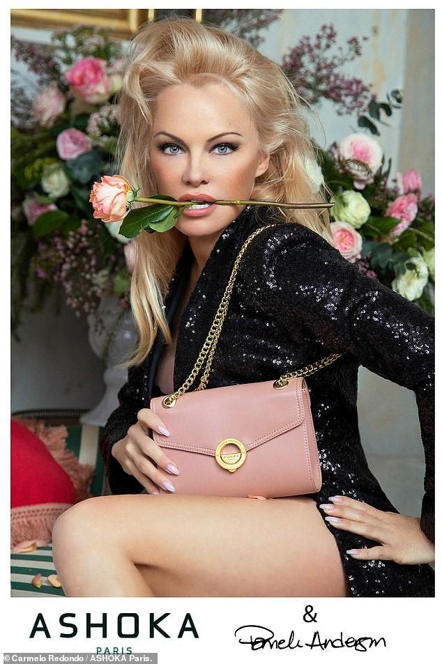 'Quả bom gợi cảm' Pamela Anderson chụp ảnh nude ở tuổi 52 ảnh 6