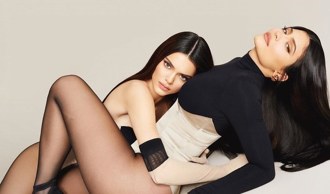 Siêu mẫu đắt giá nhất thế giới diện bodysuit nóng bỏng ảnh 6