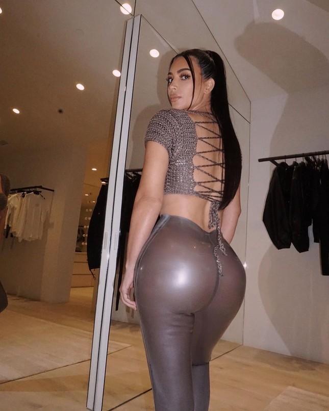 Kim Kardashian tung clip eo nhỏ khó tin hút triệu view ảnh 4