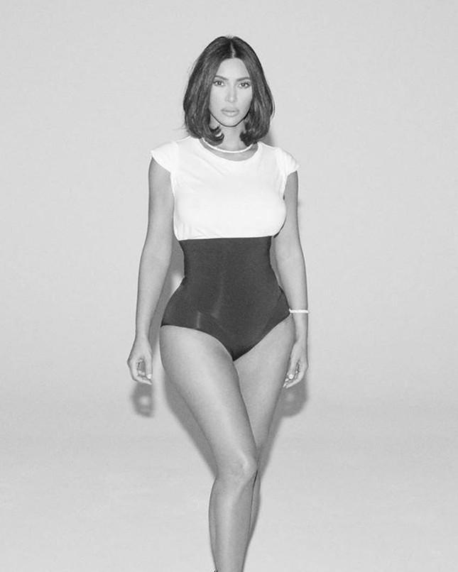 Kim Kardashian tung clip eo nhỏ khó tin hút triệu view ảnh 14