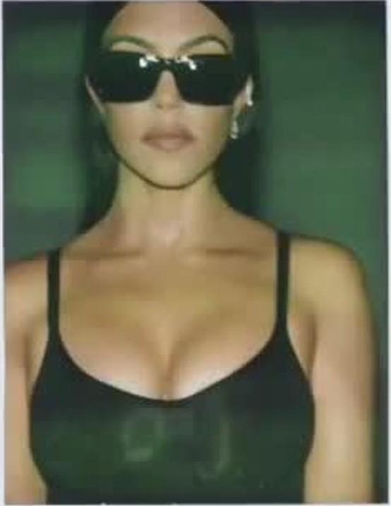 Kim Kardashian tung clip eo nhỏ khó tin hút triệu view ảnh 16
