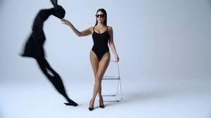 Kim Kardashian tung clip eo nhỏ khó tin hút triệu view ảnh 17