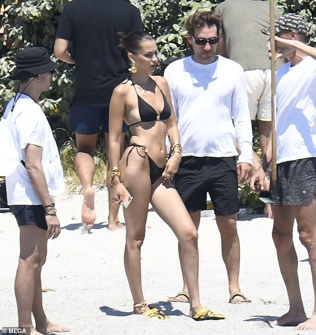 Bella Hadid thả dáng đẹp như tạc tượng ở Ý ảnh 3