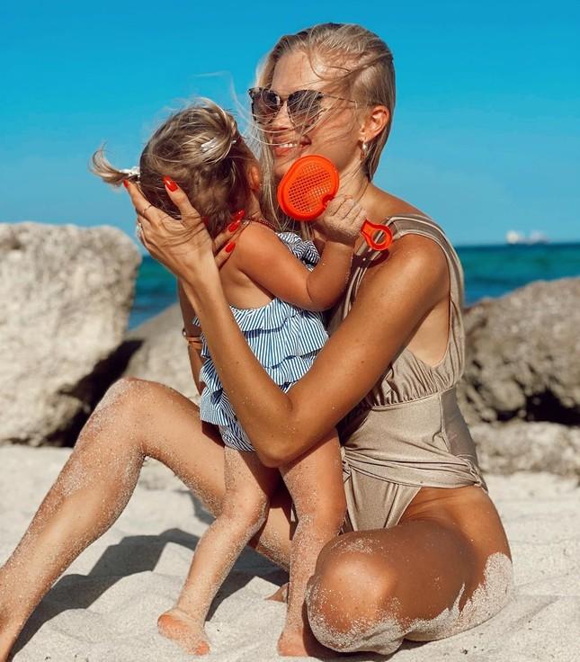 Mỹ nhân Nga Vita Sidorkina gợi cảm hút hồn trên biển ảnh 9