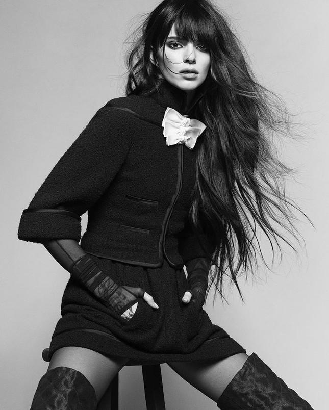 Thân hình hoàn hảo tuyệt mỹ của siêu mẫu đắt giá nhất thế giới Kendall Jenner ảnh 3
