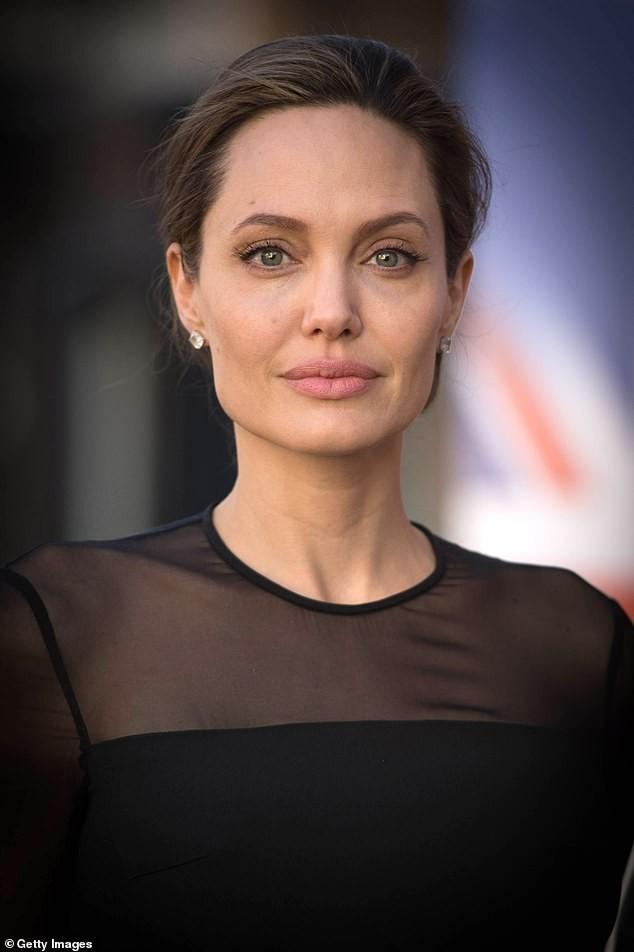 Phong độ tuổi 56 của Brad Pitt khiến phái nữ mê mẩn ảnh 5