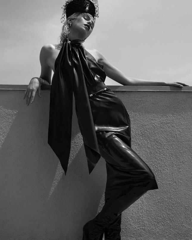 Thiên thần nội y Stella Maxwell thả dáng thon gợi cảm ảnh 18