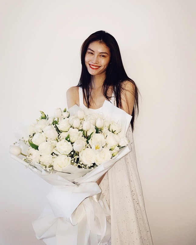 Sắc vóc gợi cảm, nhan sắc cuốn hút của người mẫu nội y gốc Hoa ảnh 11