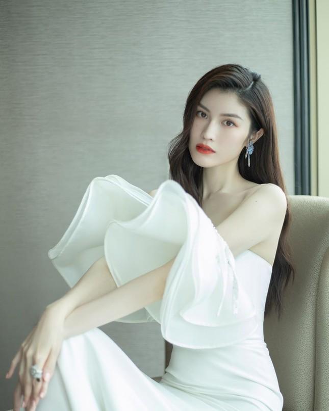 Sắc vóc gợi cảm, nhan sắc cuốn hút của người mẫu nội y gốc Hoa ảnh 14