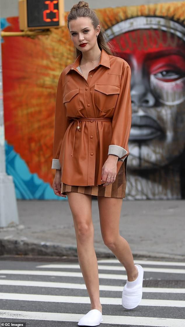 Nàng thơ 9x Josephine Skriver xinh như mộng trên đường phố New York ảnh 11